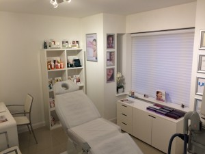 revive aesthetics treatment room